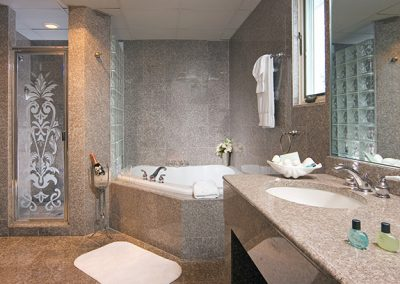 Luxury Deluxe & Tower Bathroom